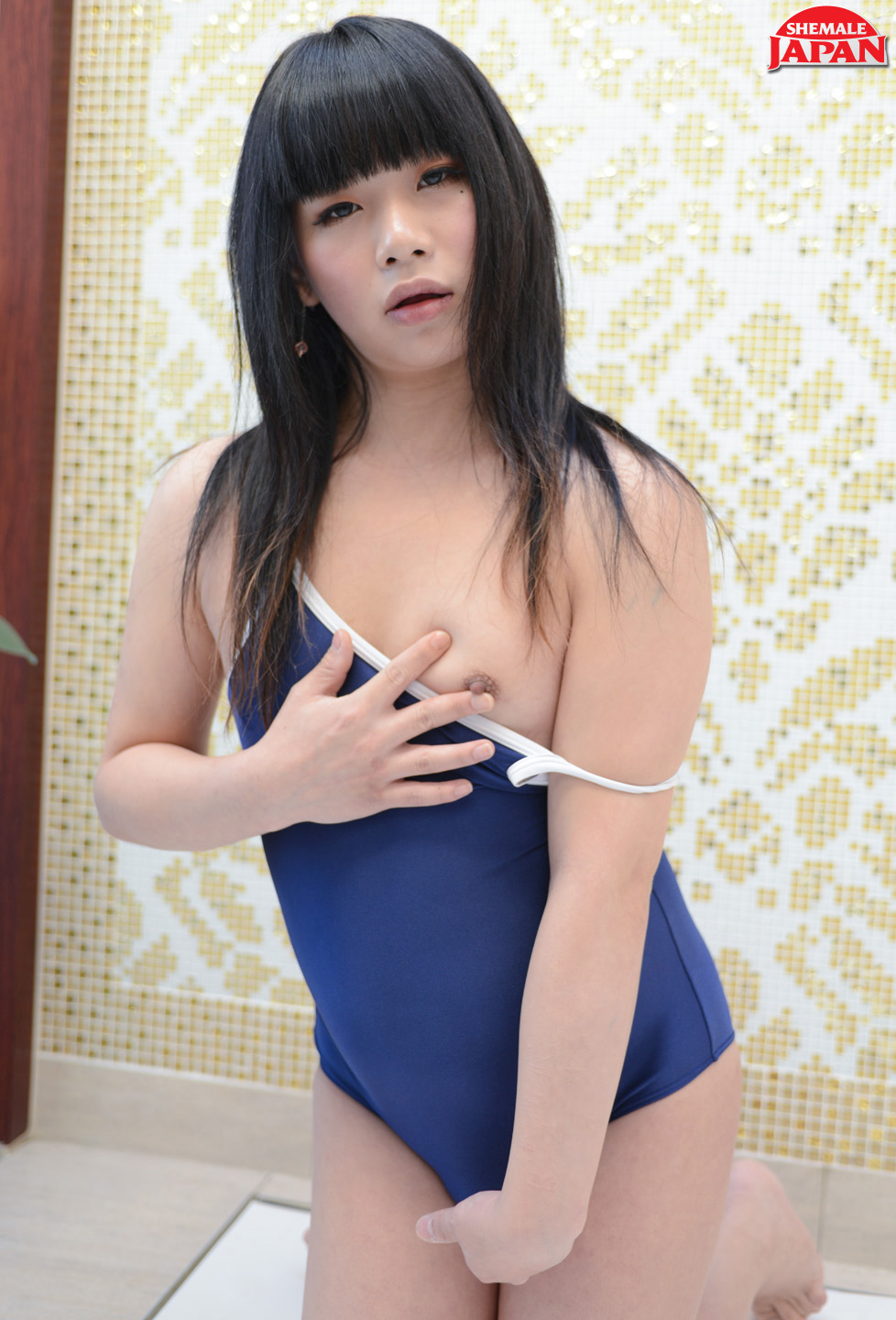Kinky Japanese shemale Himena Takahashi Loves Her New Swimsuit